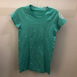 lululemon athletica Tops - Lululemon green s/s run swiftly top sz 6 71661